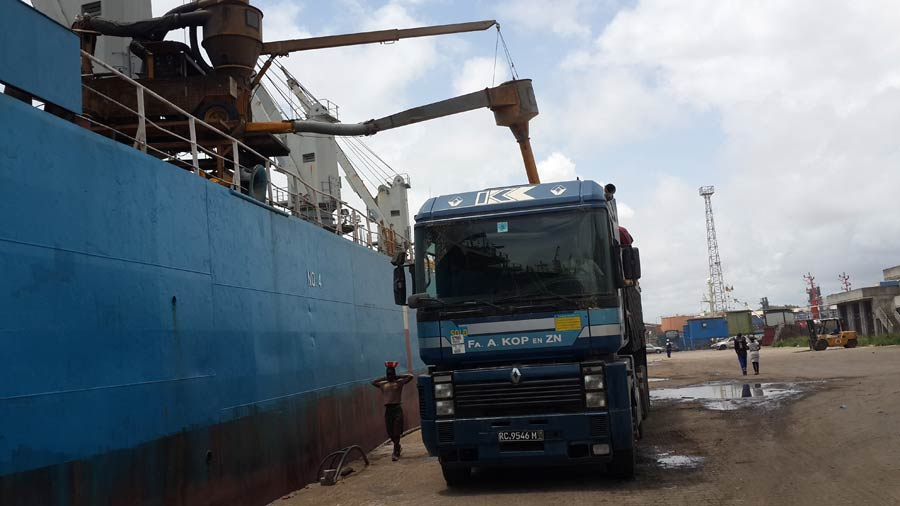 mv gora in Conakry 2014