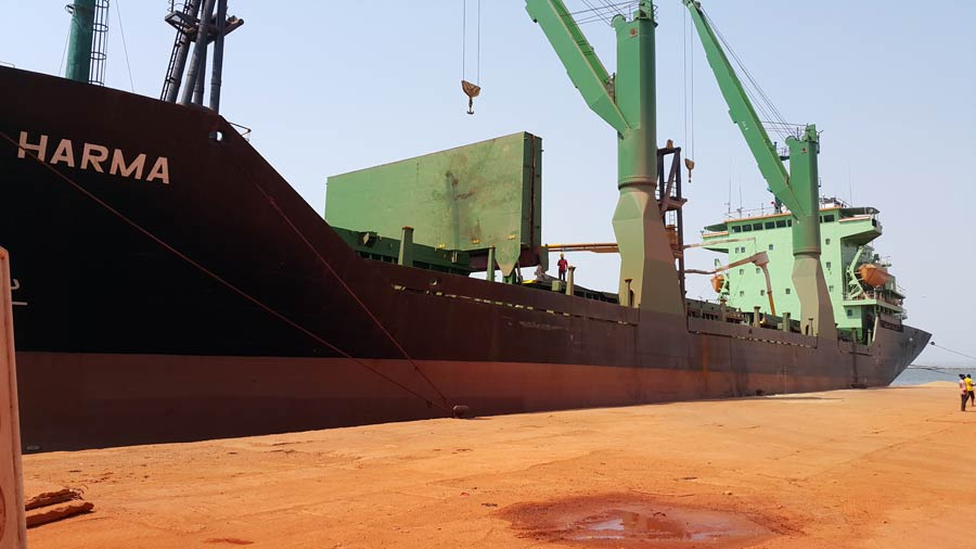 mv harma in Conakry 2014